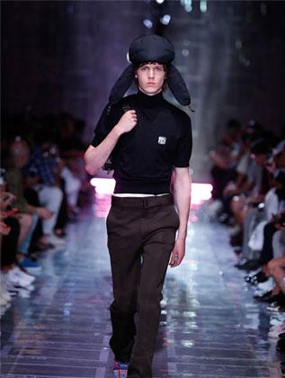 臻赏奢侈品品牌Prada普拉达2019春夏男装时装秀