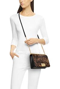 轻松快乐这才是都市女性 该有的FURLA MIMI包包