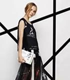 Jadeenplus加是品牌女装 如果你穿上花色的连衣裙