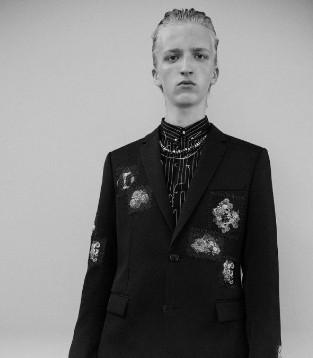 Dior Homme×日本暗黑艺术家龟井撤