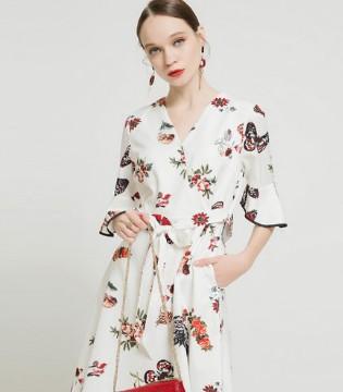 千姿惠裙装搭配演绎不一样的精彩 教你时尚达人的智慧穿搭