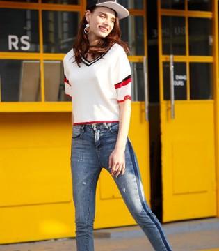 一件纯白的简单T恤 樊羽女装也能带你走入不简单的世界