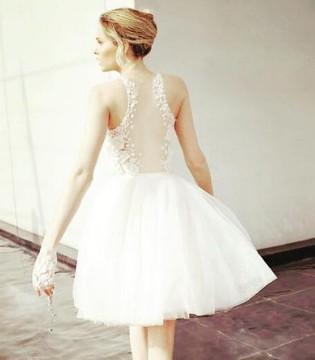 谁说婚纱一定要是长裙 短版婚纱同样能造出大势感外