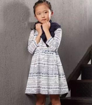 布景Clothscenery童装上新 宝贝的新装