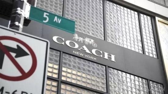 Coach集团去年销售额无增长 股价暴跌逾15%_1