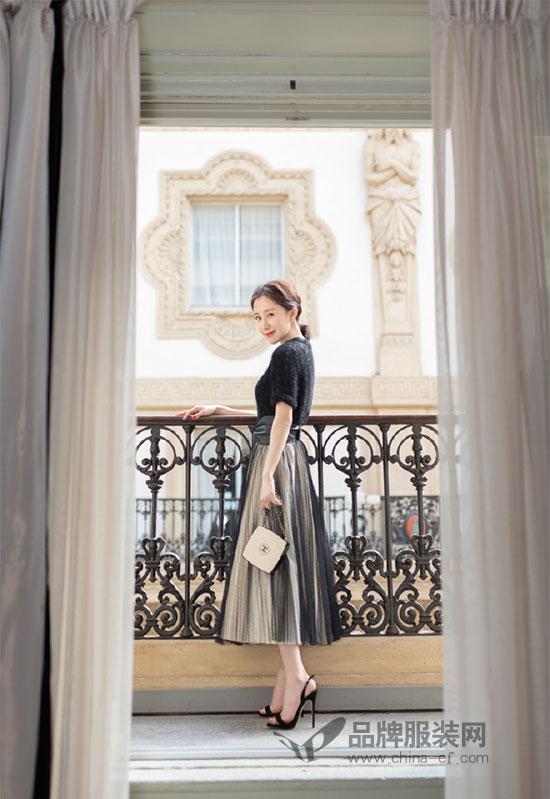 舒畅首次出征米兰时装周看秀 造型百变场场惊艳