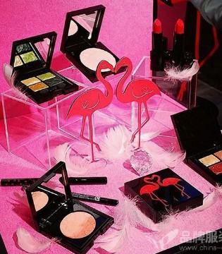 跨界做护肤品的富士胶片 明年2月将推出新的彩妆线