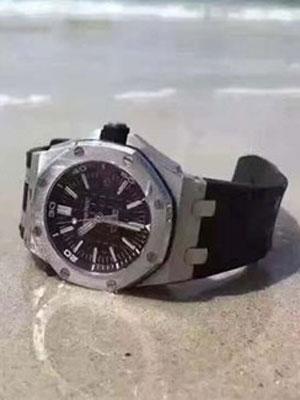 世界三大腕表品牌之一爱彼15703 极具男人魅力的腕表