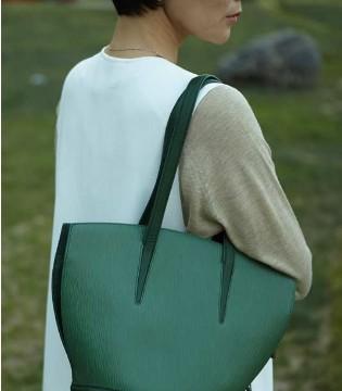 SOULWAY素唯时尚品牌皮具包包 显品又实用