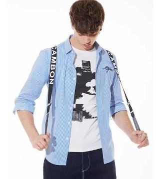 佐纳利浅蓝色服饰搭配 走进大男孩的阳光时尚