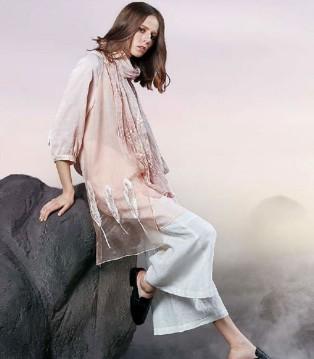 意澳品牌女装 做到剔透玲珑 可堪艺术大作