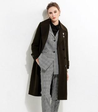 国际女装_浩洋国际品牌女装 教你如何穿着呢大衣才更有范