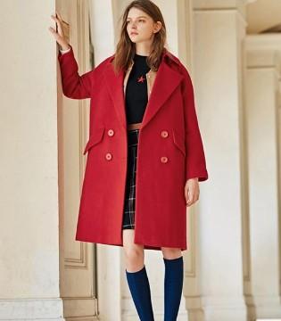 布莎卡品牌女装 时尚有型的呢大衣 让你轻松起范
