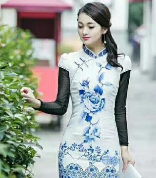 唐雅阁棉麻女装品牌 美轮美奂的刺绣花瓣