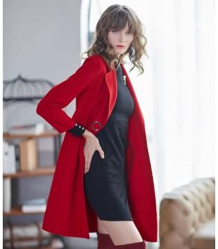 金蝶茜妮大衣与红色才是你最时尚的搭配