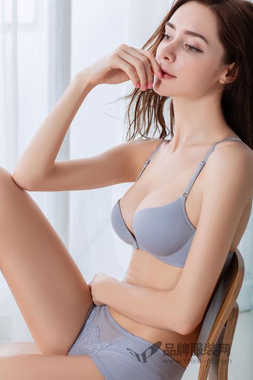 桃花季一片式无痕内衣 塑造出完美的新优雅女人