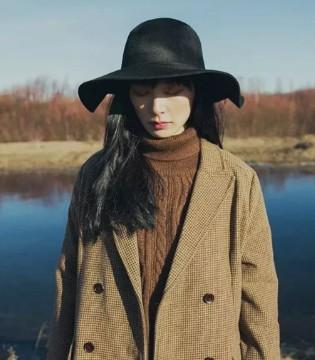 AIKERL穿搭推荐 用一顶帽子 守护住寒潮下的知性与温暖
