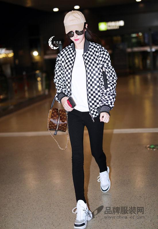 唐嫣衣品越来越棒 机场私服时尚感蹭蹭地上升