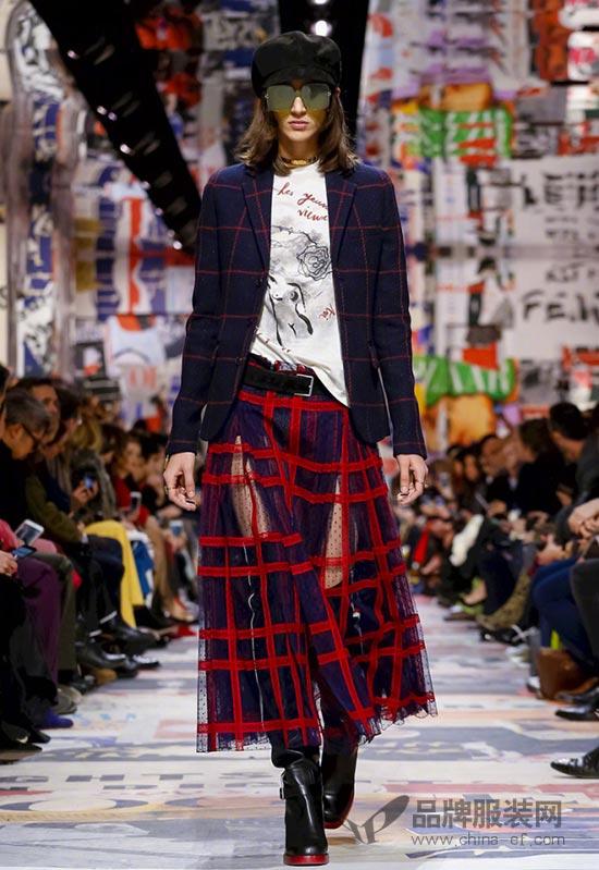 巴黎时装周Christian Dior 2018万博体育ios客户端下载系列时装秀 很抢眼~