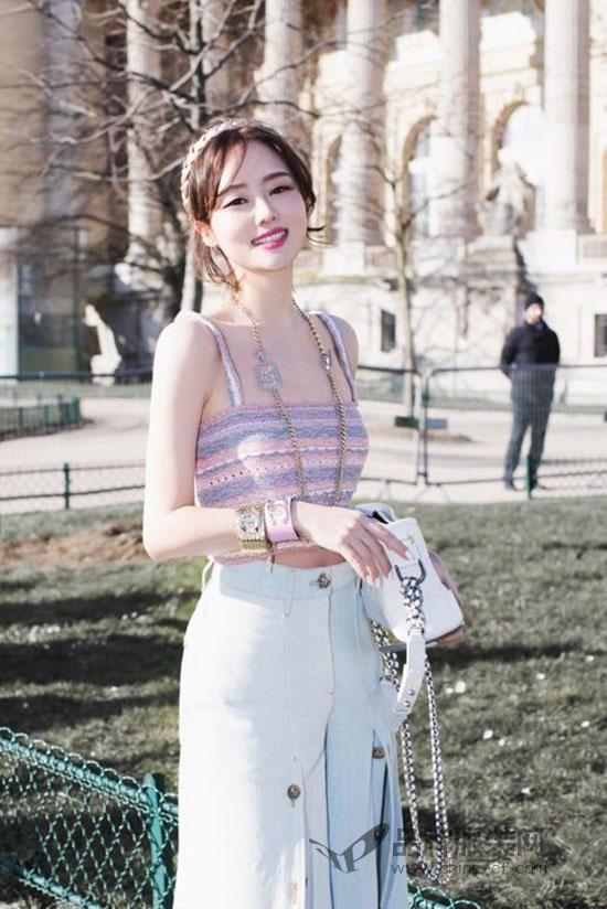 时尚博主张林超出席巴黎时装周Chanel 2018秋冬时装秀