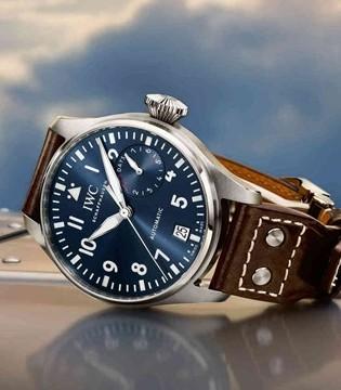 展示非凡气质 万国推出马克18飞行员腕表