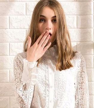衣橱必备白衬衫 穿上Saslax女装留下最美的样子