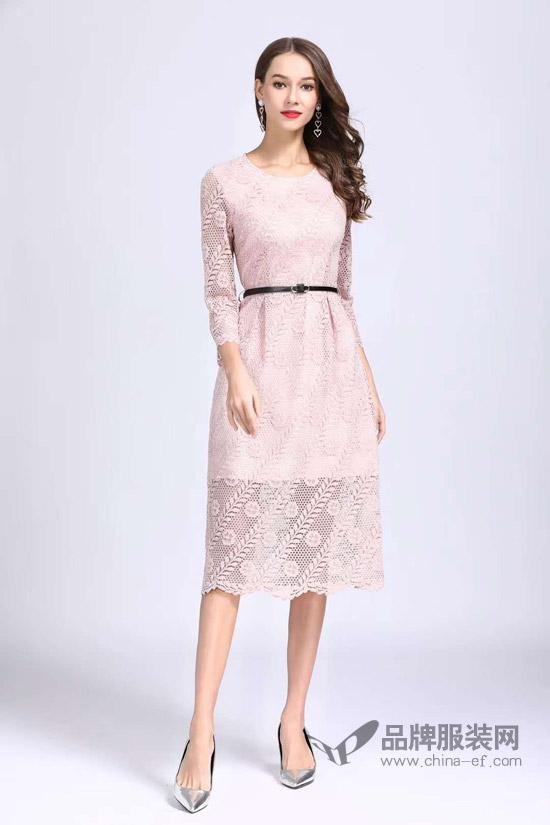 诺羽西品牌在四川华蓥店业绩名列女装品类第一