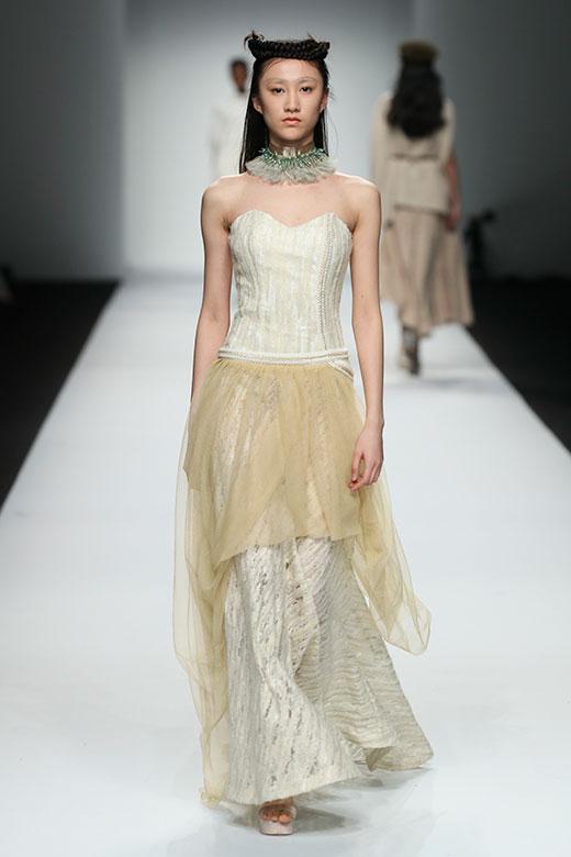 MOODBOX 18AW《温柔的脊梁》发布秀惊艳亮相上海时装周