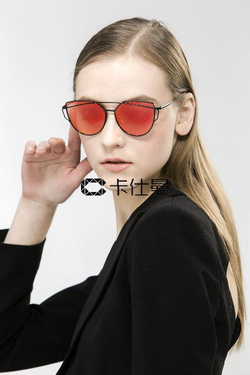 2018卡仕曼墨镜 时尚文艺男生搭配法则