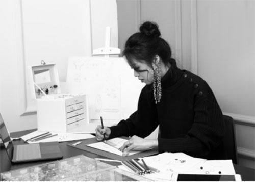 小众独立设计师珠宝品牌HER NAME走红 设计独树一帜