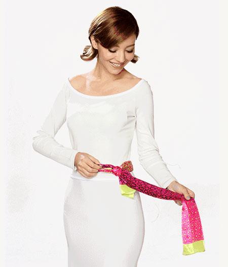 这几种玛丽亚古琦丝巾系法 让你像春天一样明媚