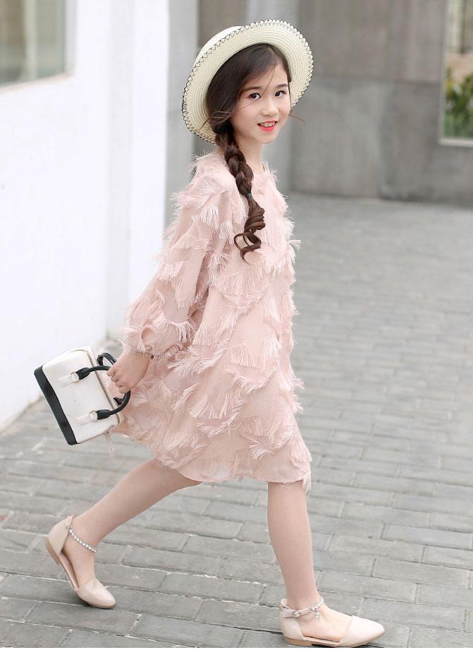 小鹿巴笛童装品牌适应中国儿童特点的时尚款式
