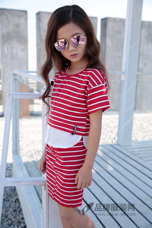 最流行的是条纹 是土巴兔品牌2018春夏新品