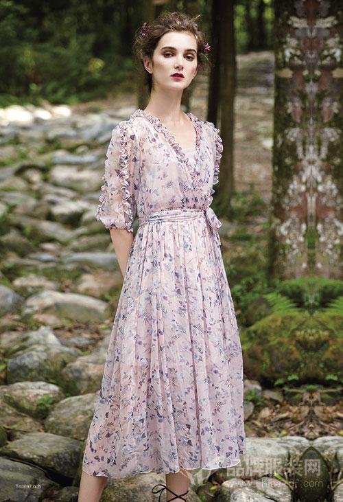 你想买的却找不到的连衣裙 都在楚阁2018春夏新品里