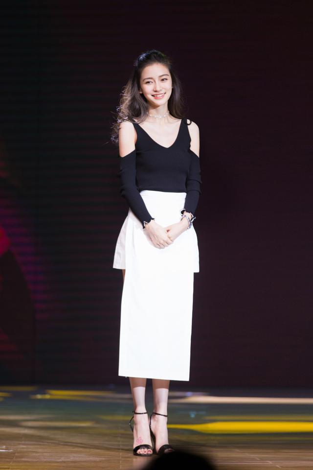 春美多时尚辣妈杨颖和11岁的张悦轩的穿搭更时尚!