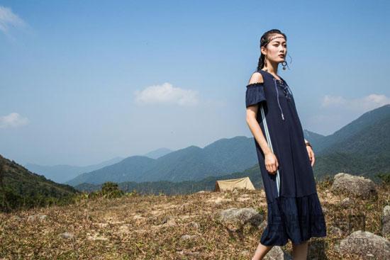 """""""弗蔻Fu Kou""""个性化舒适女装 活在当下 享受精彩每一天"""