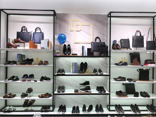 热烈祝贺丹比奴品牌鞋包――新疆店开业大吉