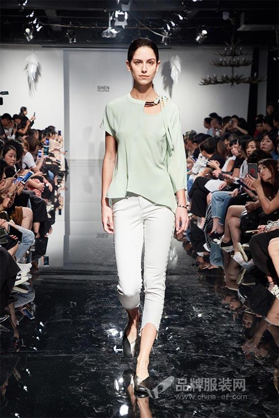 凯伦诗KAREN SHEN新装 如梦似幻的线条让人心旷神怡