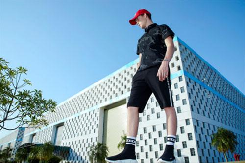 2018莎斯莱思男装夏季形象广告片 追风族日 飞一般的感觉