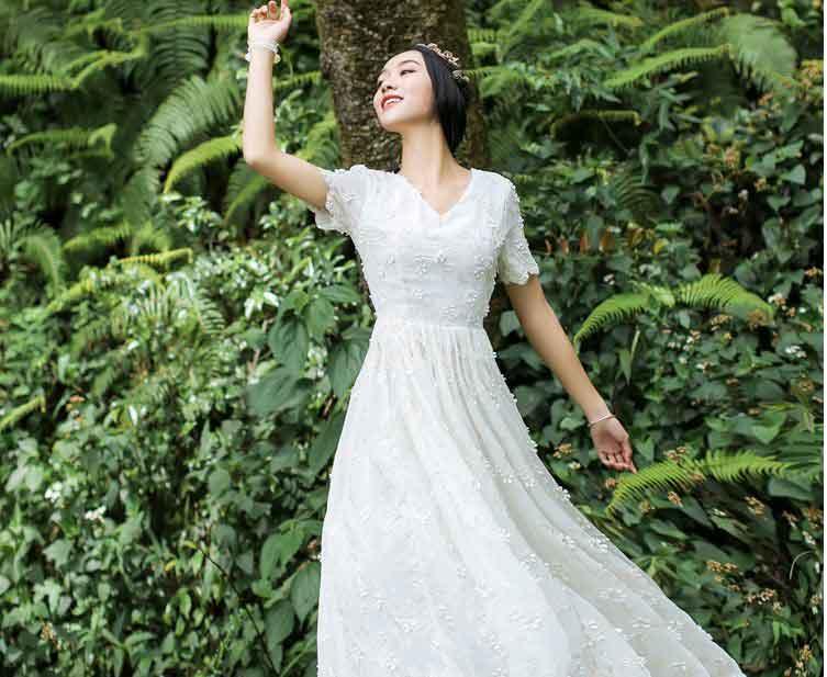 聚多品:穿上立体花朵裙 走!一起秀一波去