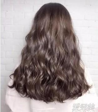2018最流行的发型颜色 红