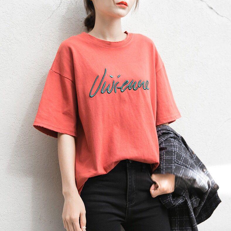 春美多:T恤搭配不仅仅是青春的象征 时尚界万能单品