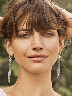 多彩的季节 就该用缤纷的潘多拉珠宝新品来装饰自己
