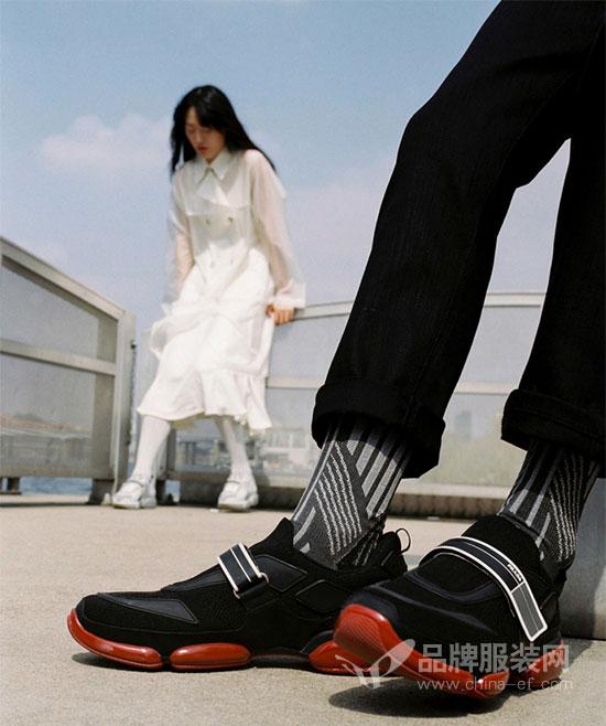 Prada的三城掠影 打开Cloudbust运动鞋的全新篇章