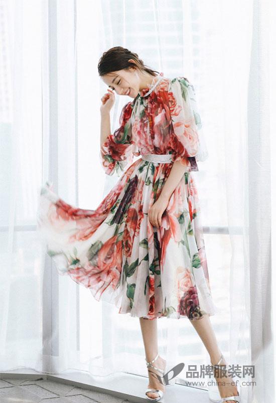 迪丽热巴演绎杜嘉班纳全新女士系列 百变造型尽显魅力