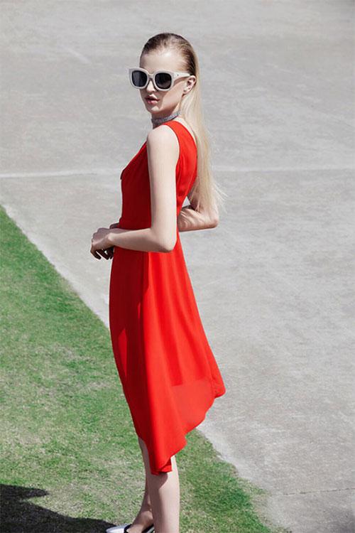 穿上丹比奴女装这一袭长裙 唤醒对夏日的喜爱