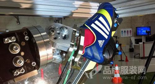 阿迪达斯修改企业形象logo 又建第二个机器人工厂!