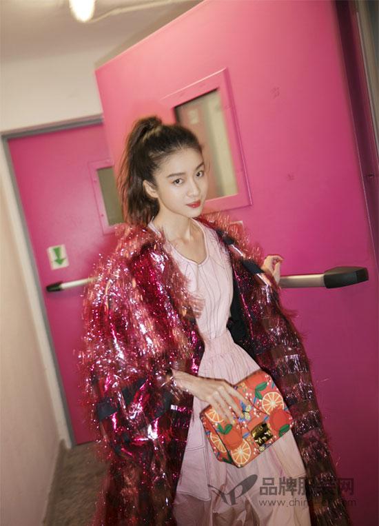 看 意大利时尚品牌Max Mara的星朋友精彩演绎MM新品