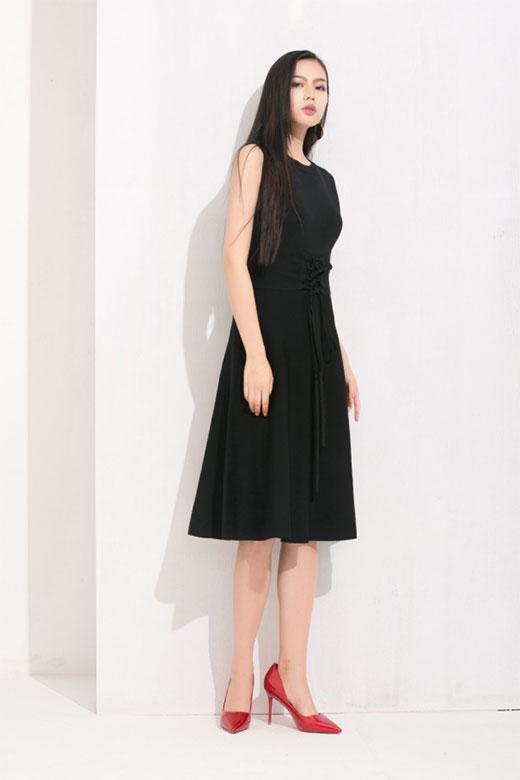 丹比奴女装:是小仙女本人 怎能少了一条小黑裙?