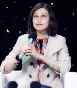 """利群总裁徐瑞泽荣获""""2017青岛年度经济人物"""""""